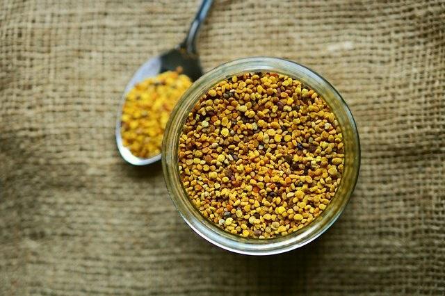 bee-pollen-2549125_640